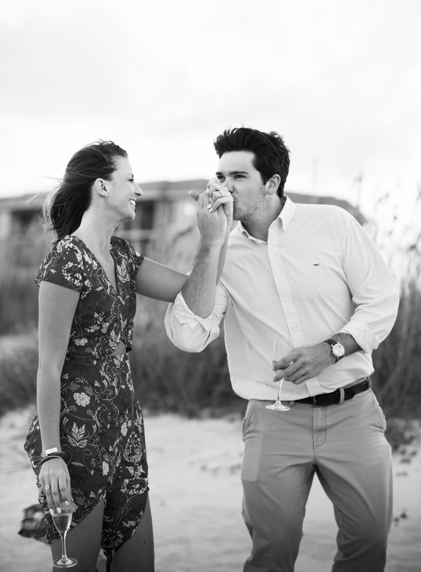 Surprise-proposal-on-the-beach-Amelia-Island